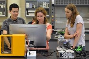 U of Toronto Lab on a Chip 2014-07-21-dropbot-tech