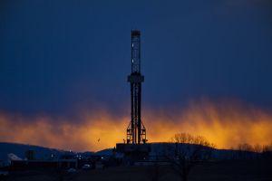 green-fracking-05_77808_990x742
