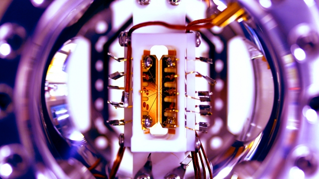 JQI Q Computer 080416 cover_gallery