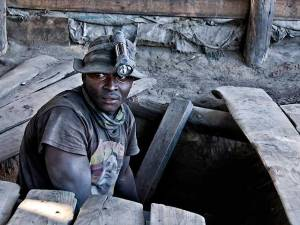 graphite-mining-africa_2007_rwh_0893-1-edit