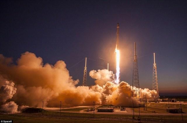Space X Rocket 31E1F88F00000578-3477542-image-a-8_1457192298353
