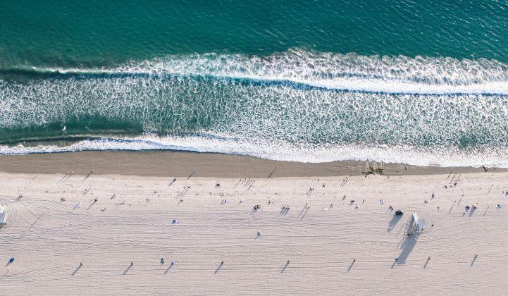 Florida_Beach_Coast_XL_Shutterstock_721_420_80_s_c1