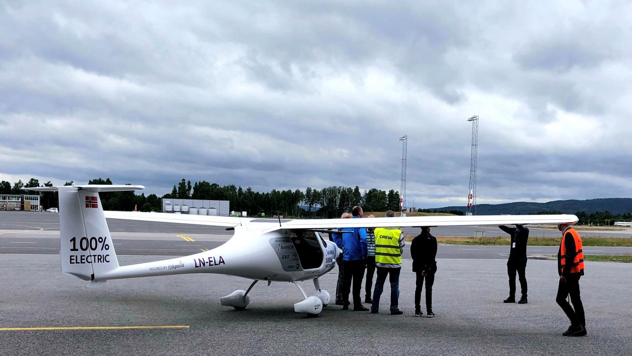 electric-plane-two-seater